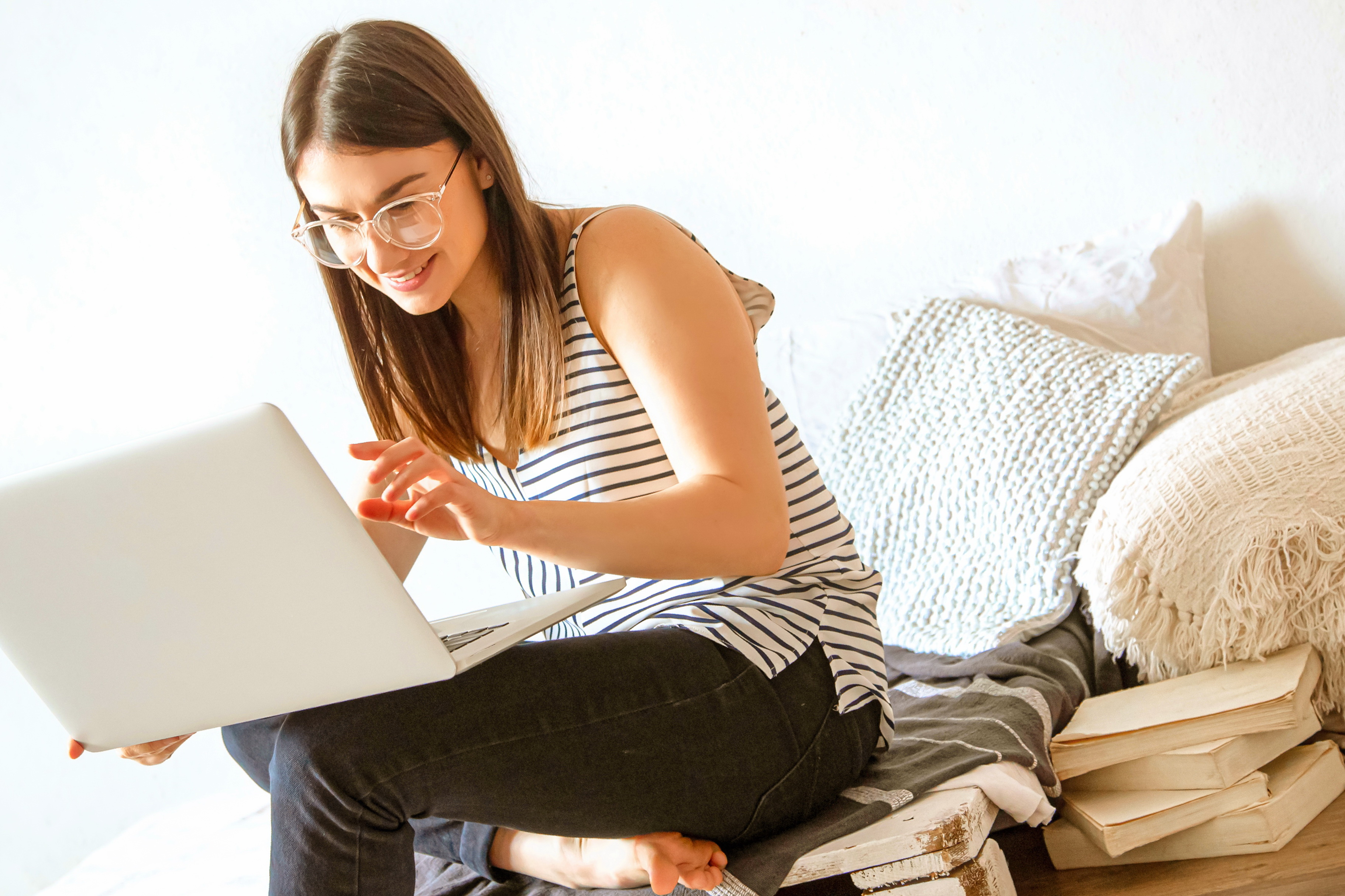 Сайты для регистрации веб моделей американская девушка модель по организации работ