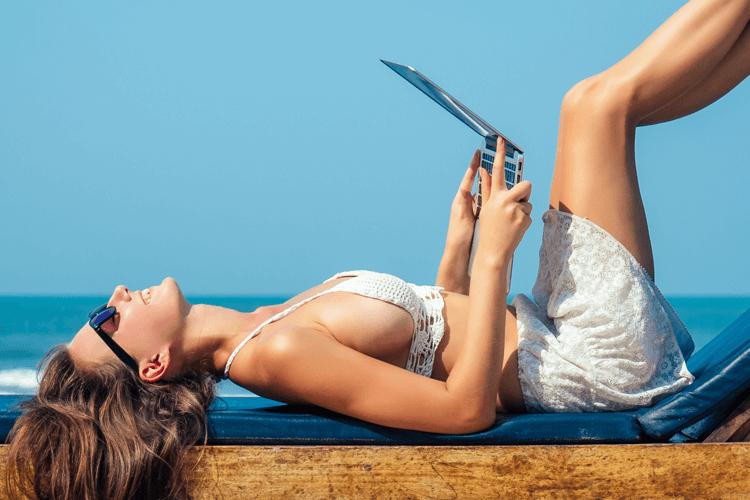 Дополнительный заработок для женщин в свободное время – вебкам блог WebCam-Ru.com